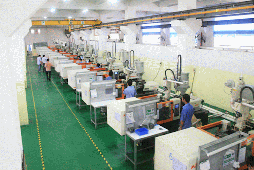 plastic molding in china 2021